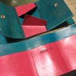 ツートンカラーの三つ折り財布4