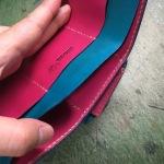 ツートンカラーの三つ折り財布14